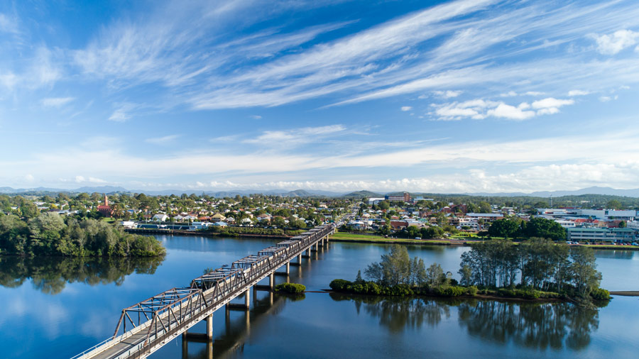 taree-main-entrance-bridge-edgewater-shores
